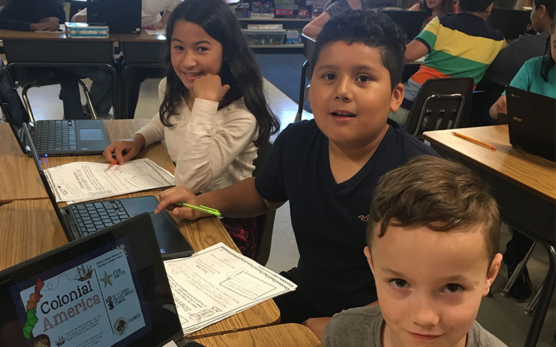 Colonial Research Using Chromebooks photo
