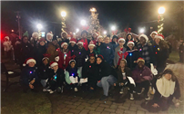Copiague Middle School Singers Ring in Holidays photo thumbnail104679