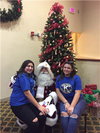 Key Club Gives Back for Holidays photo4
